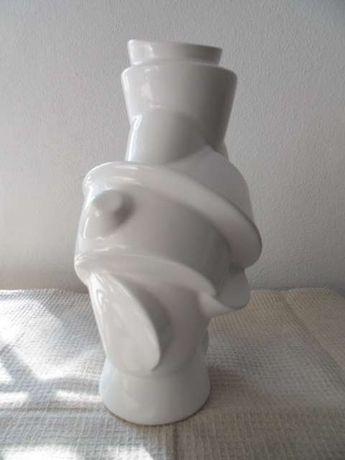 Jarra de cerâmica Muuto