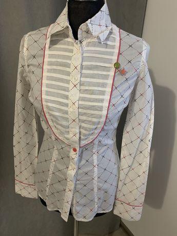 Koszula biała z el. Różowymi XS