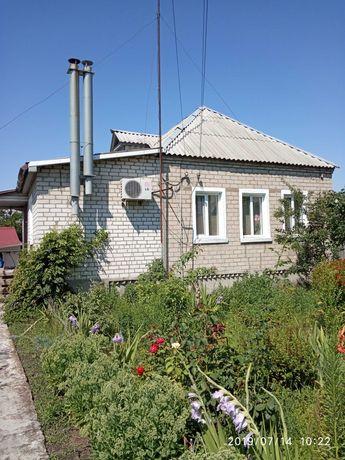 Дом с участком и постройками