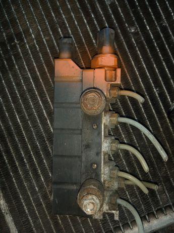 Блок клапанов пневмо мерседес w220 s320 s500 s400 a2203200258