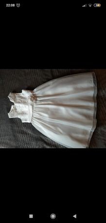 Sukienka rozmiar 134/140