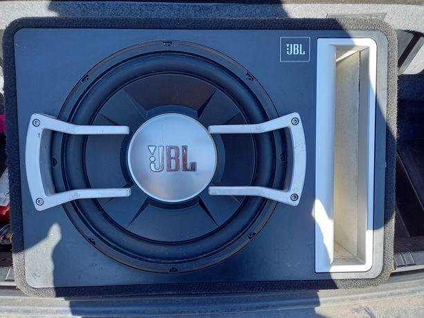 Subwoofer tuba JBL GTO1204BR