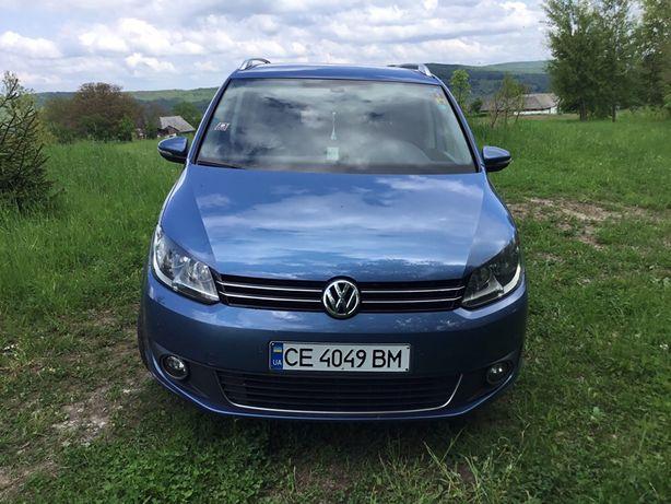 VW ТОУРАН 2013 рік.