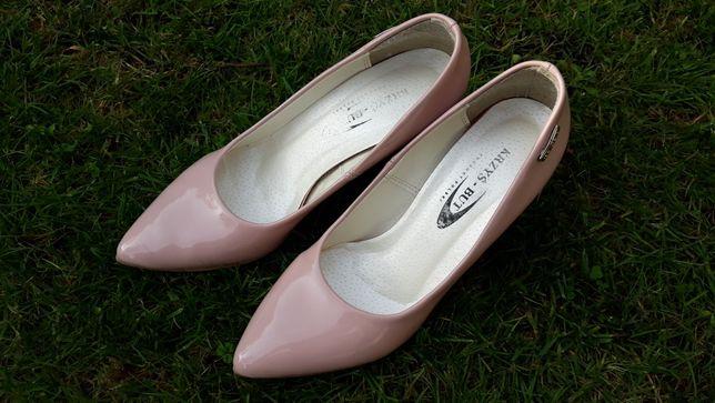 Buty pudrowy róż 37
