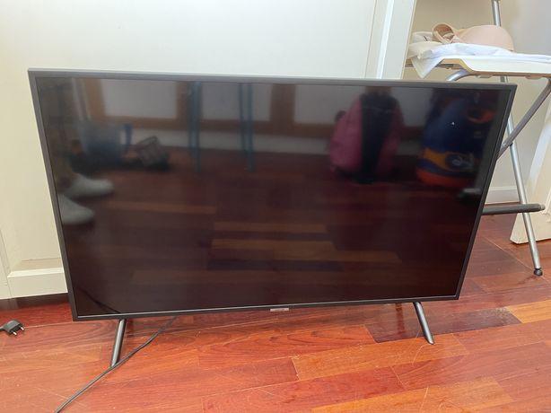 Tv samsung 40' danificada