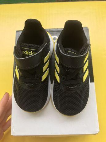 Кроссовки детские Adidas ( кросівки дитячі) 19 размер (розмір)