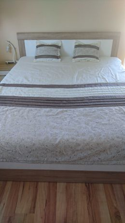 Łóżko 180x200 z szafkami