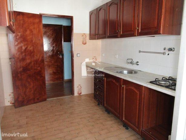 Apartamento 3 assoalhadas soalheiro, em Virtudes, Azambuja