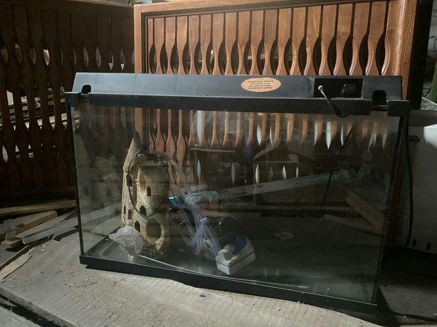 Аквариум для рыбок 100л