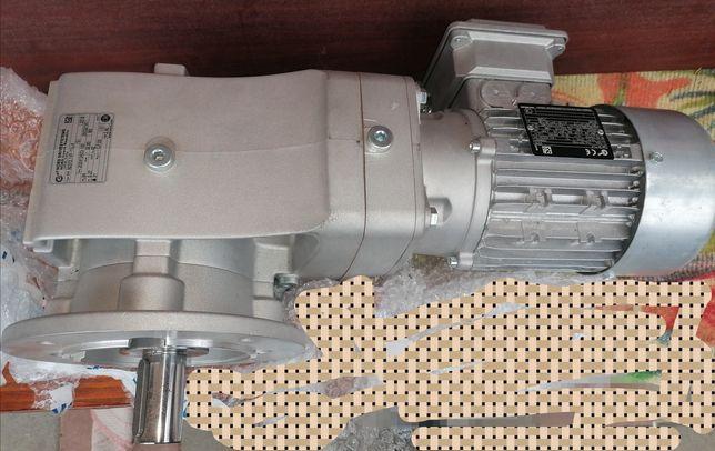 Мотор з редуктором