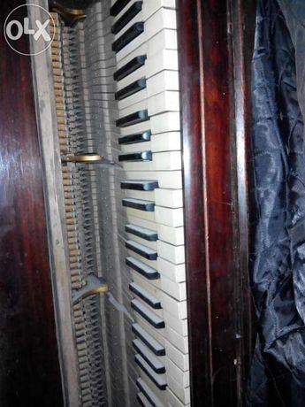 """Продам рояль """"LYRA"""" 1884 года"""