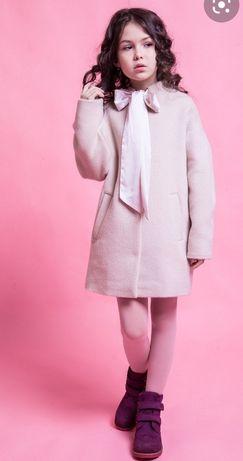 Продам нарядне пальто Suzie