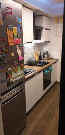 Sprzedam umeblowane mieszkanie 3 pokoje  60m Mochnackiego