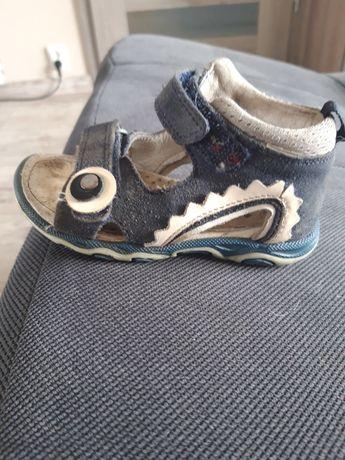 Sandałki Bartek roz 22
