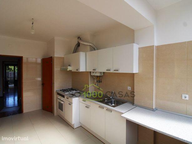 Apartamento T2 em S. Domingos de Benfica