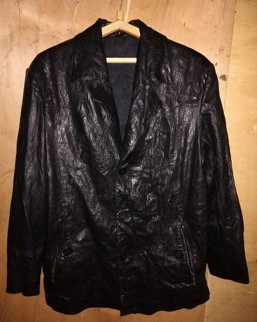 Мужская, кожаная куртка.