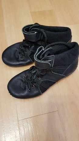Обувь для танцев (обычно их называют джазовки)