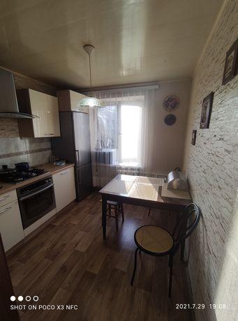 Продам трёхкомнатную квартиру в районе пл. Зыгина.