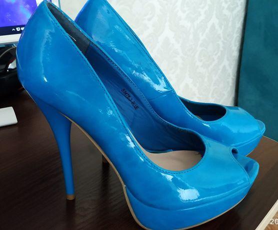 Женские туфли, лак, новые