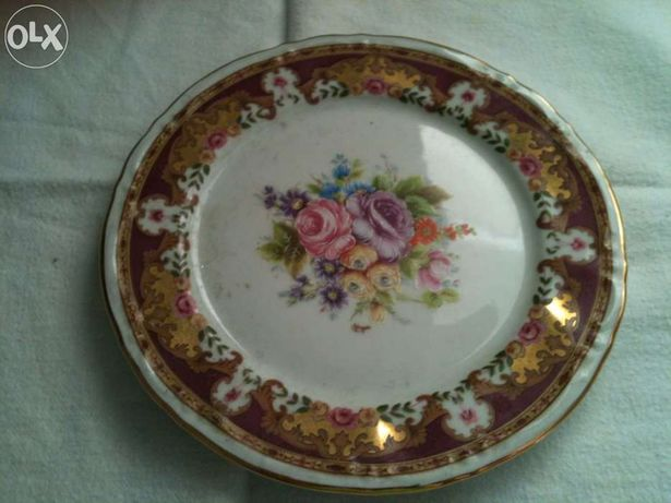 Antiguidade - Porcelana - prato Limoges Paté marca PF cor bordeaux