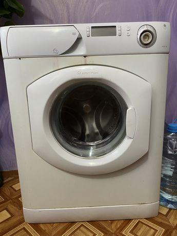 Продам стиральную машинку Ariston AVD107