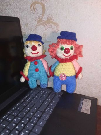 Вязаные игрушки, клоун