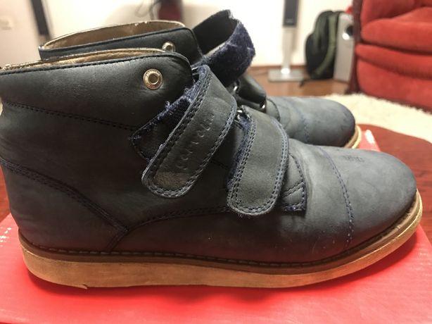 Ботинки осенние размер 35
