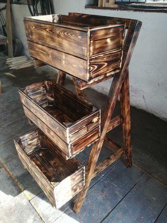 Drewniany stojak na kwiaty lub zioła
