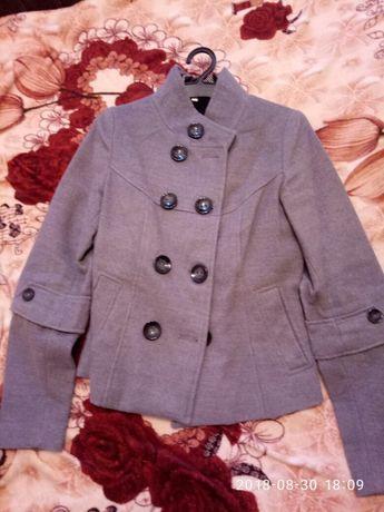 Отдам пальто, пиджак