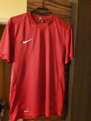 Używana koszulka Nike