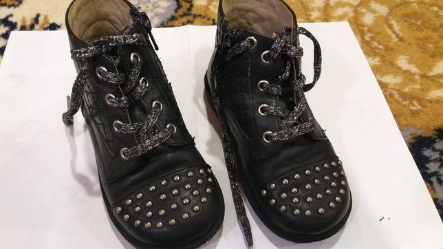 Ботинки кожаные осенние Chicco на девочку
