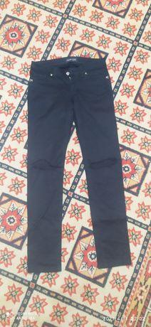 Брюки джинсы все в отличном состоянии