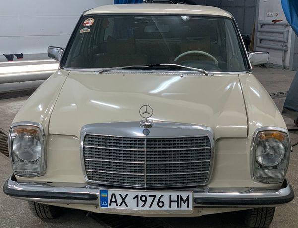 Mercedes-Benz E 230.4 W 115
