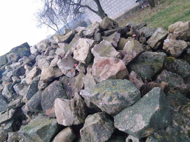 Sprzedam kamień.