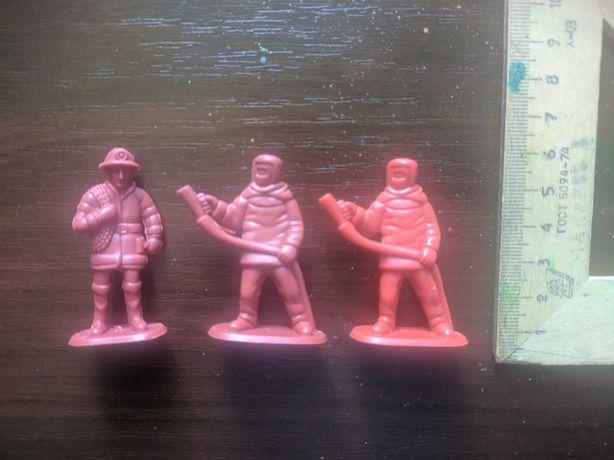 Солдатики (пожарные)