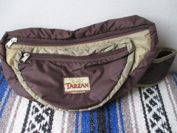 Bolsa p/cintura a estrear TARZAN , bastante espaçosa, com 2 divisórias