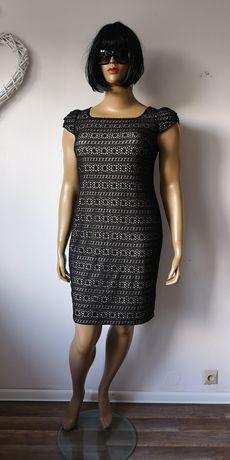 DUŻE ROZMIARY - Czarna sukienka koronkowa r. 44