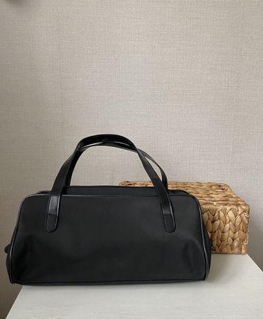 Czarna mała torebka baguette retro vintage