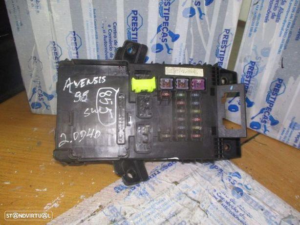 Caixa fusiveis 8273005010 TOYOTA / AVENSIS sw / 1998 / 2.0d4d / original /