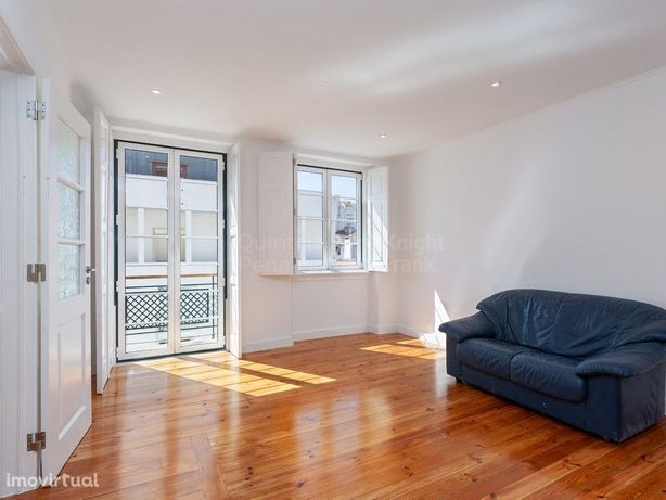 Apartamento T2 renovado e semi mobilado para arrendar em ...