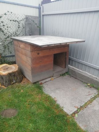 Будка дерев'яна для великої породи собак