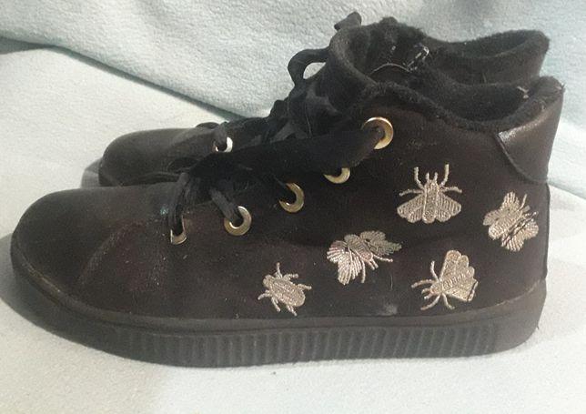 Дитяче взуття  на дівчинку!