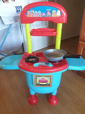 Zabawkowa kuchnia