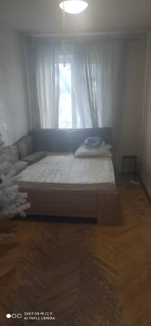 Сдам комнату для девушки Ленинградская пл.м.Дарница!(без хозяев)