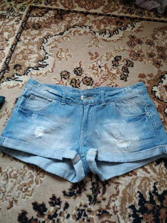 Шортики джинсовые.