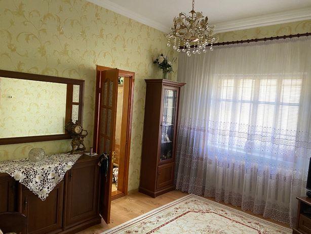 Продам без посредников  половину дома с отдельным двором Н.Балашовка