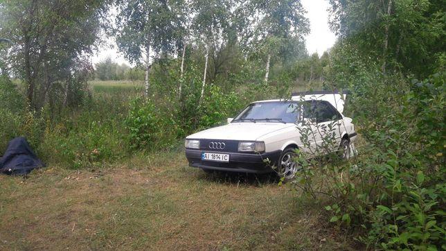 Автомобіль Audi 80 b2