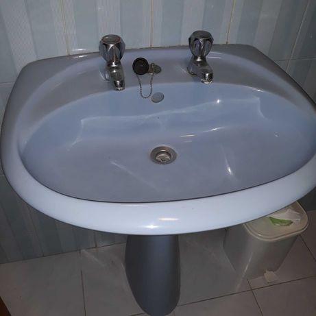 Loiça sanitária usada