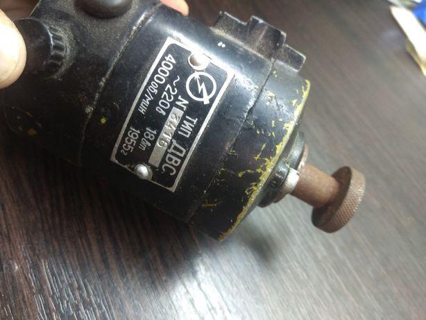 Двигатель 18 Вт 4000 об/мин