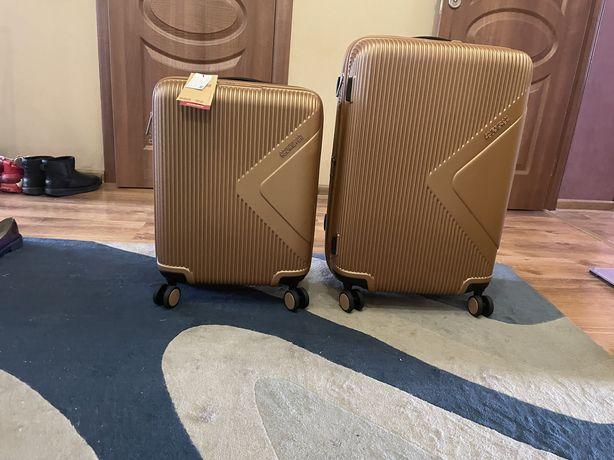 Новый набор чемоданов American Tourister